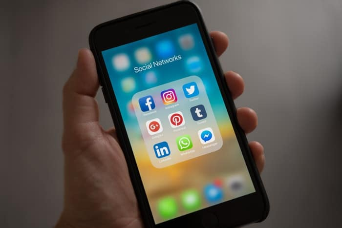 Social Media Online Applications